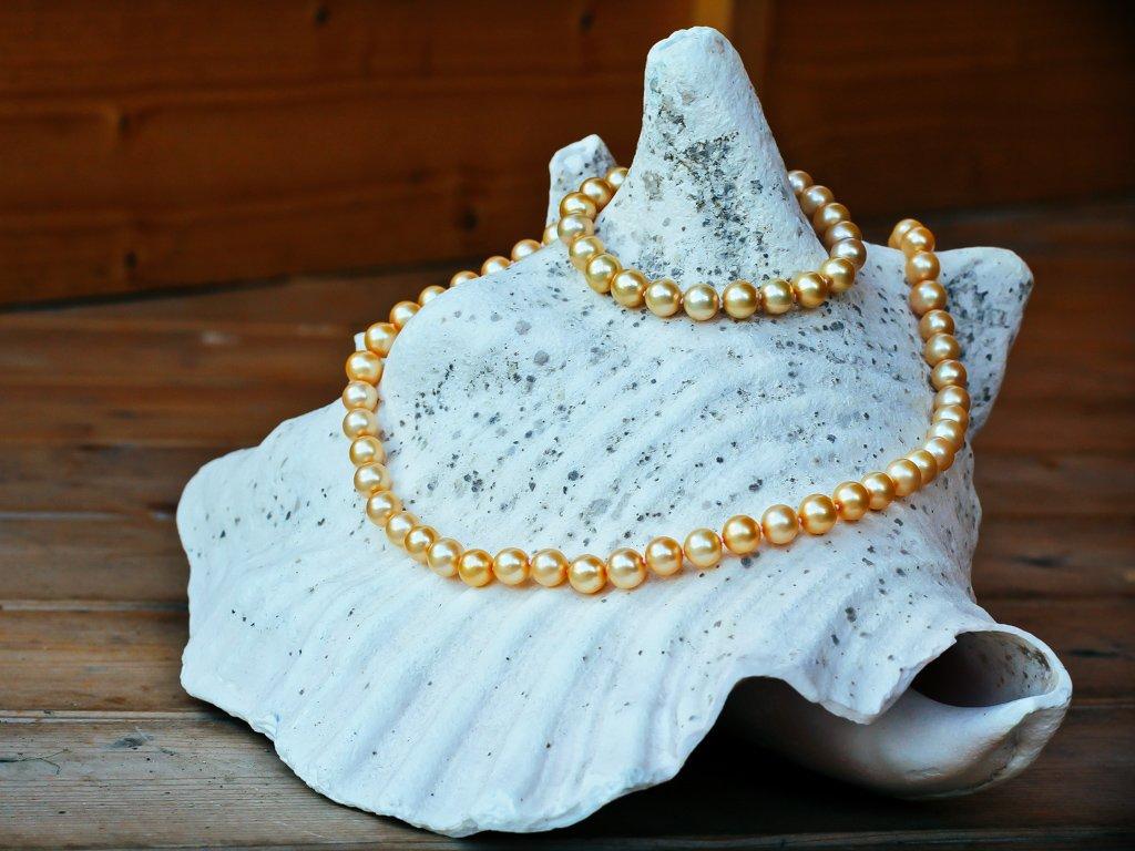 perlový náhrdelník žlutý