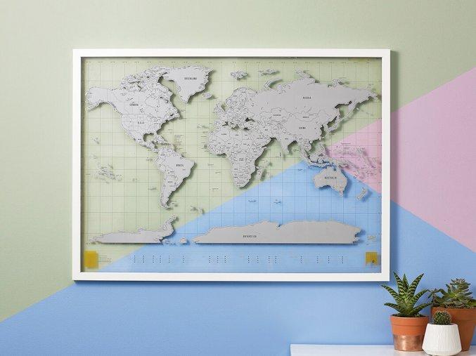 Průhledná stírací mapa světa