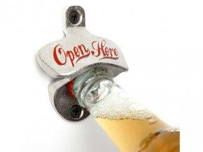 Retro otvírák na láhve