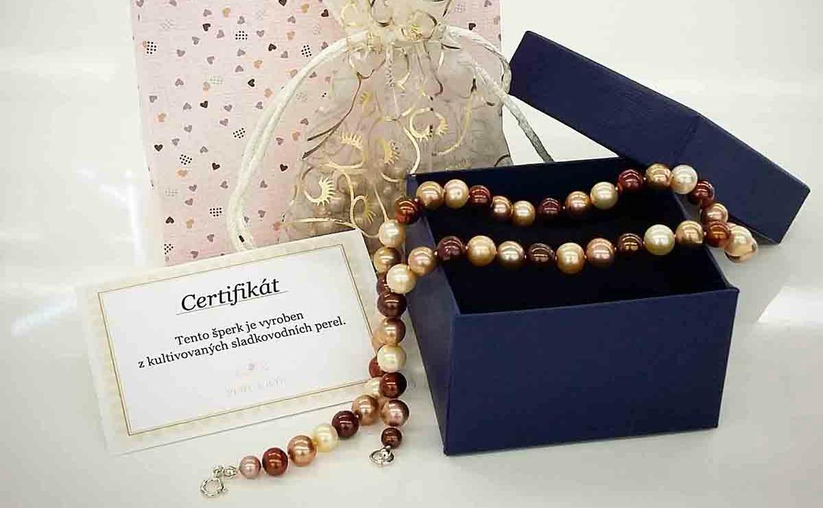 Kdy jindy darovat perly, než o Vánocích