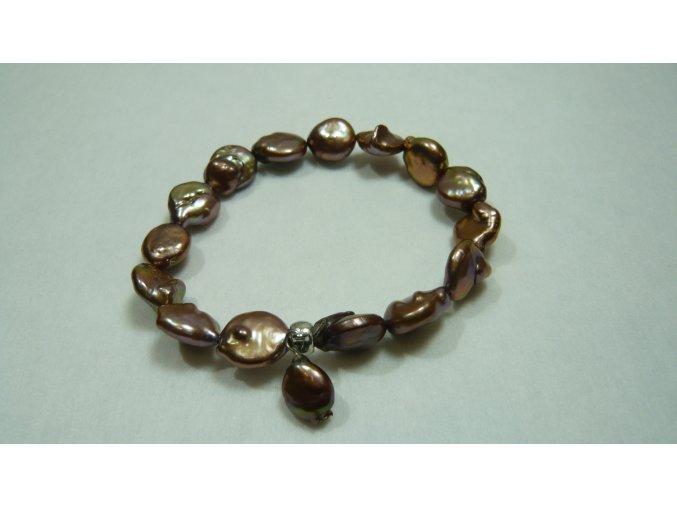 Náramek z barevných placatých perel