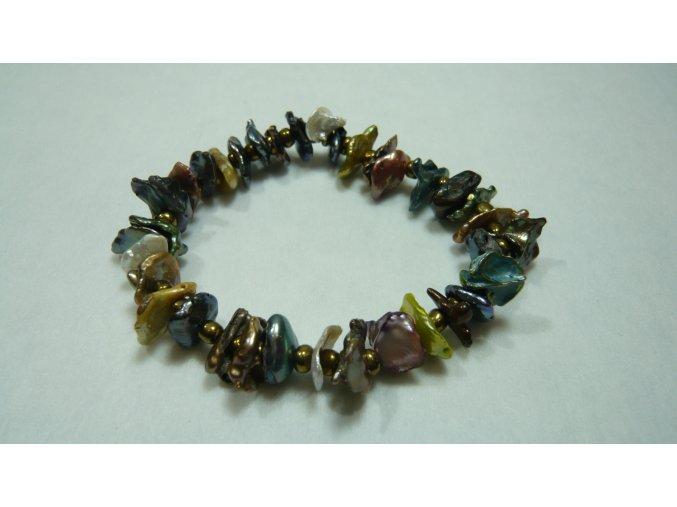Náramek z barevných nepravidelných keshi perel s mezerníky