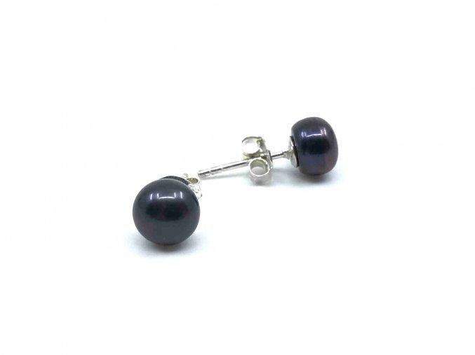 Náušnice ze středních tmavých perel