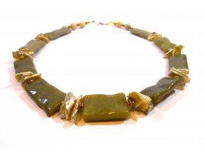 Náhrdelník z jadeitu a keshi perel