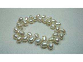 Náramek z bílých oválných perel tvaru ZicZac