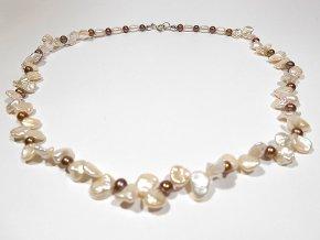 Náhrdelník z bílých keshi a hnedých perel