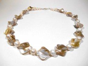 Náhrdelník z perleti a bílých perel