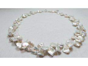 Bílé keshi perly