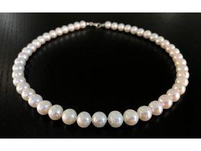 Bílý perlový náhrdelník vysoký lesk