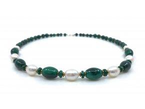 Malachitový náhrdelník s bílou perlou