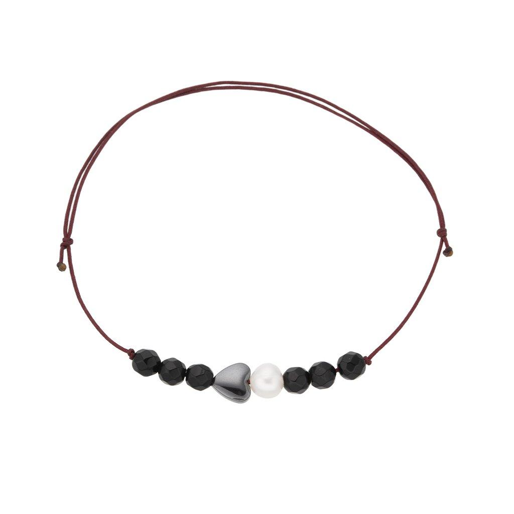 Náramek na šňůrce srdce a bílá perla s onyxem, červená šňůrka S13006, Perlomanie