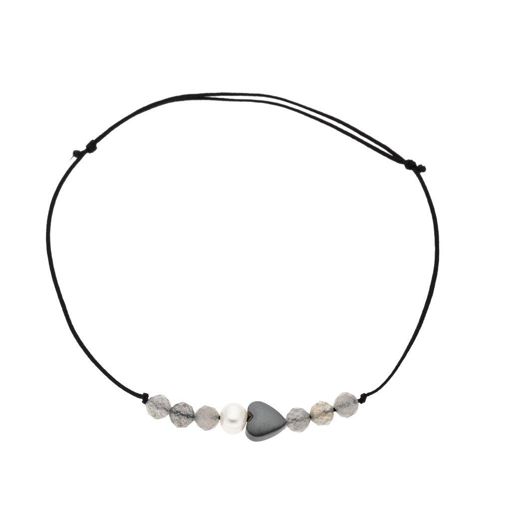 Náramek na šňůrce srdce a bílá perla s labradoritem černá šňůrka S13008, Perlomanie