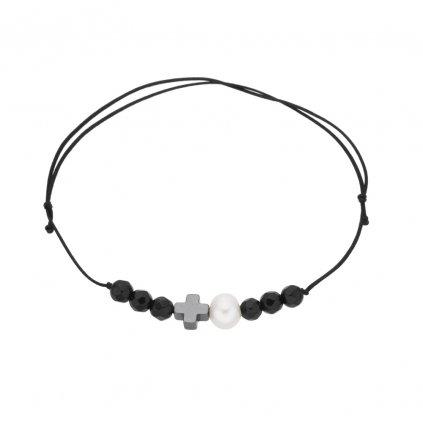 Náramek na šňůrce křížek a bílá perla s onyxem, černá šňůrka S14001