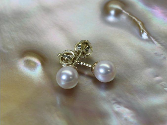 zlaté náušnice se sladkovodními perlami kulatými 5,5-6 mm na šroubek či puzetu