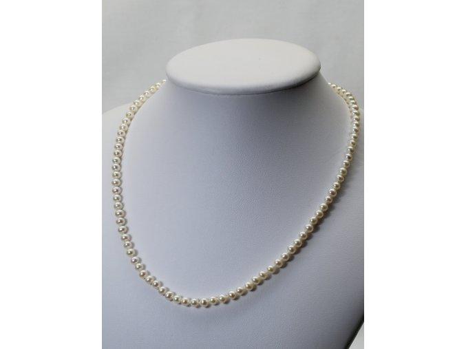 náhrdelník ze sladkovodních perel 4-4,5 mm se stříbrným uzávěrem
