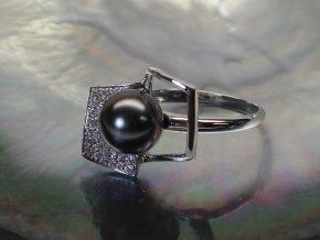 zlatý prsten s tahitskou perlou a brilianty