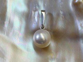 zlatý přívěsek s mořskou perlou 9-9,5 mm