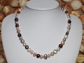 náhrdelník ze sladkovodních perel 7-9 mm se stříbrným uzávěrem