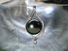 zlatý přívěsek s tahitskou perlou a brilianty