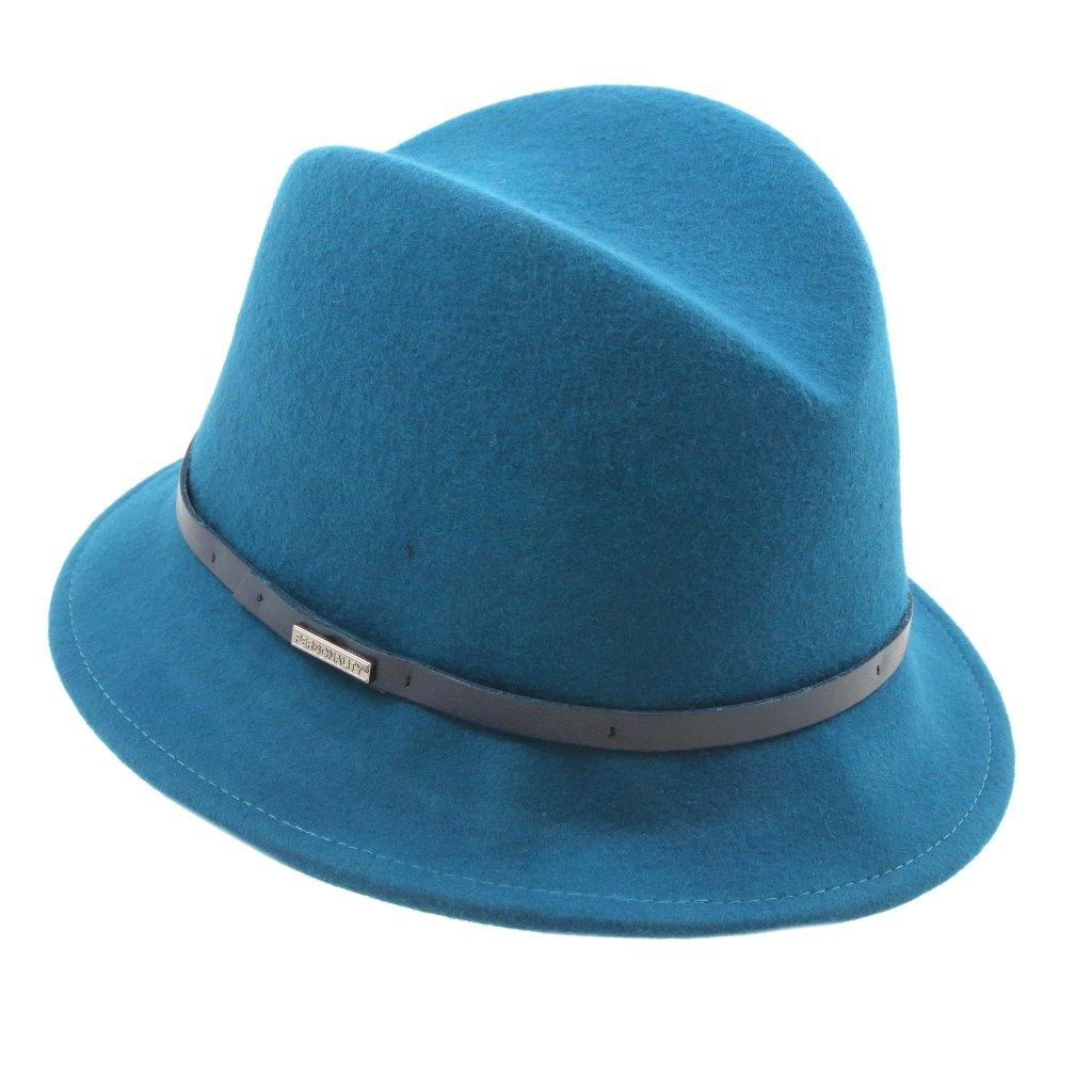 Dámský klobouk s koženým páskem