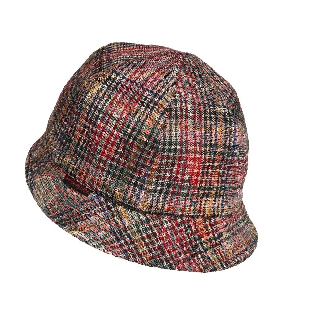 Dámský klobouk s malou krempou