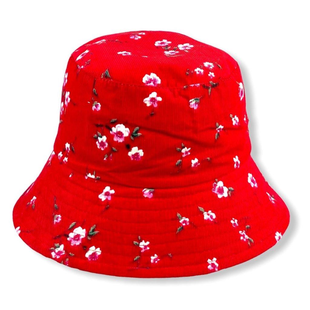 Dámský červený klobouk s růžovými květy