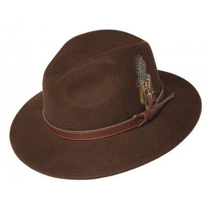 Pánský hnědý klobouk zdobený peřím