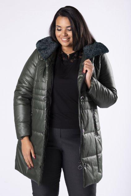 Prošívaná bunda s ozdobnou kožešinou na kapuci – zelená