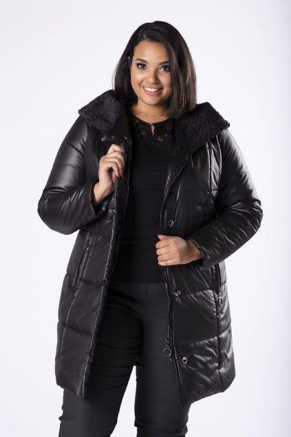 Prošívaná bunda s ozdobnou kožešinou na kapuci – černá