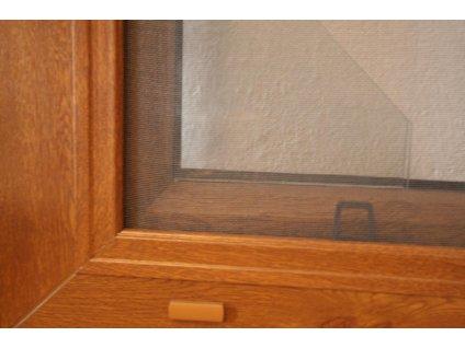 Sítě proti hmyzu do plastových oken v imitaci dřeva - šířka na míru mezi 301-400mm (ODSTÍN RÁMU zlatý dub, VÝŠKA 151-160cm)