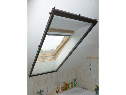 Univerzální sítě do oken rolovací, šířku vyrobíme na míru mezi 41-50cm (MONTÁŽ RÁM OKNA, VÝŠKA 111-120cm)