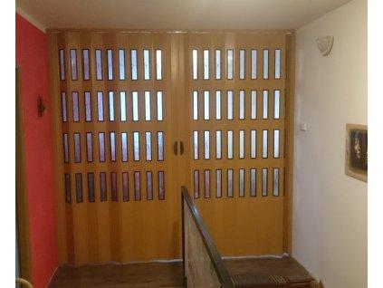 Dvoukřídlé shrnovací dveře s šířkou mezi 146-166cm vyrobíme na míru