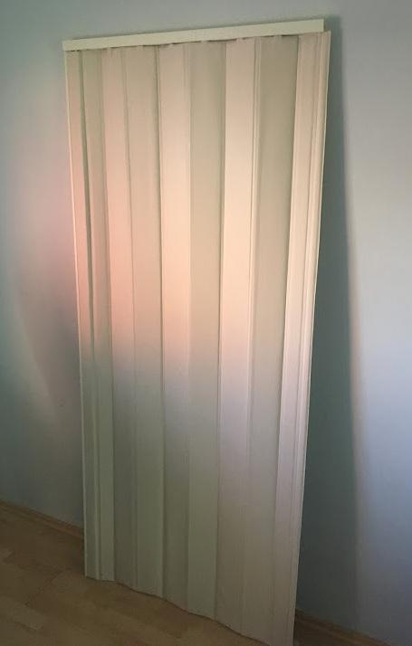 Koženkové shrnovací dveře PETROMILA šířka 70cm ODSTÍN: BÉŽOVÁ, TYP: plné, VÝŠKA DVEŘÍ: 191-200cm