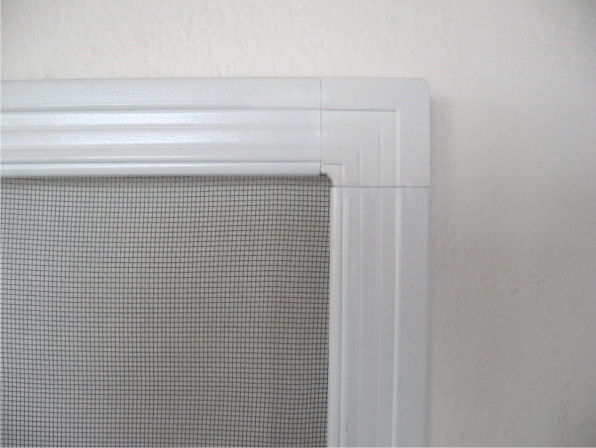 Sítě proti hmyzu do plastových oken šířka do 55cm VÝŠKA: 20-30cm, RÁM: BÍLÁ