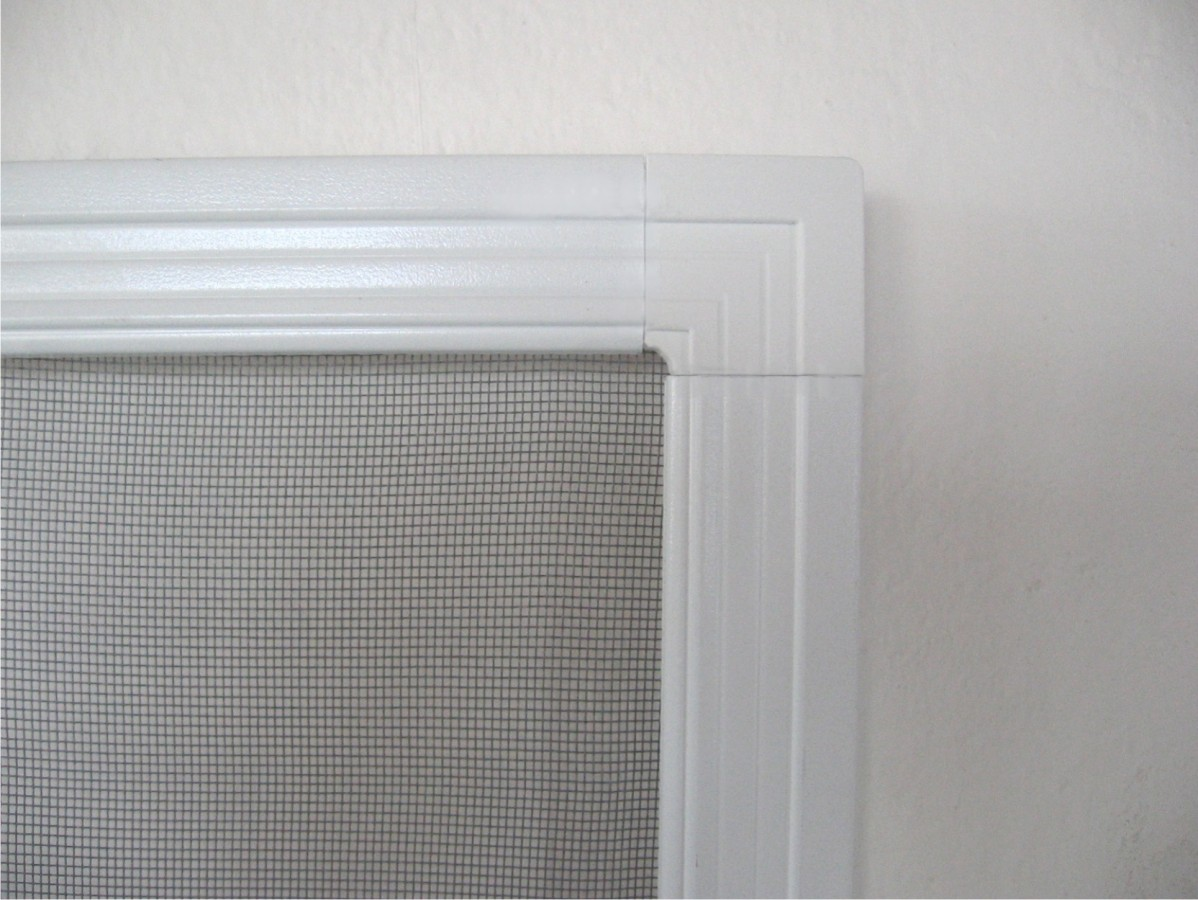 Okenní sítě šířka 105cm VÝŠKA: 71-80cm, RÁM: BÍLÁ