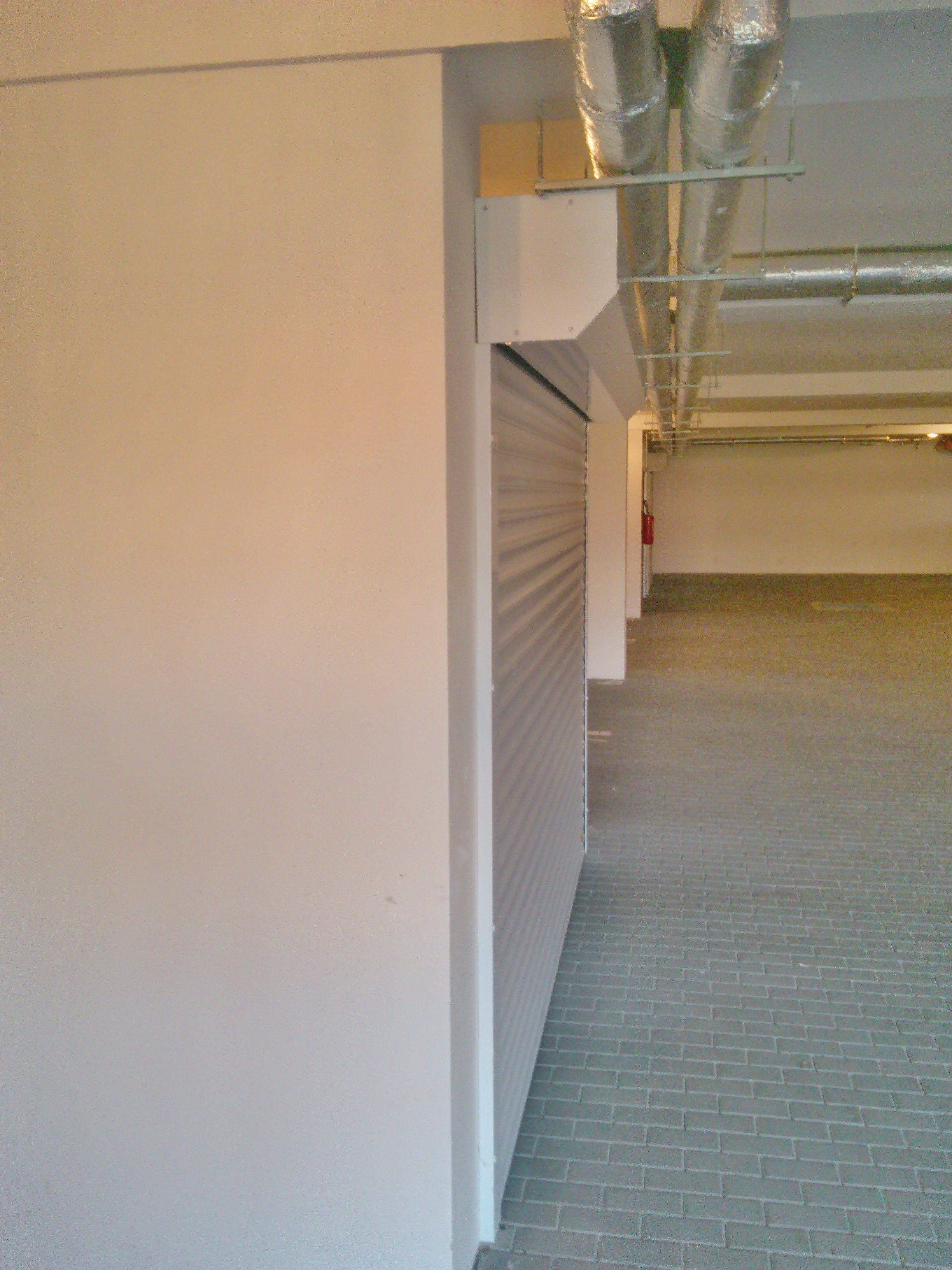Garážová rolovací vrata BR-77E šířka 230cm ODSTÍN: RAL 9016 BÍLÁ, OTVOR VÝŠKA: 210cm