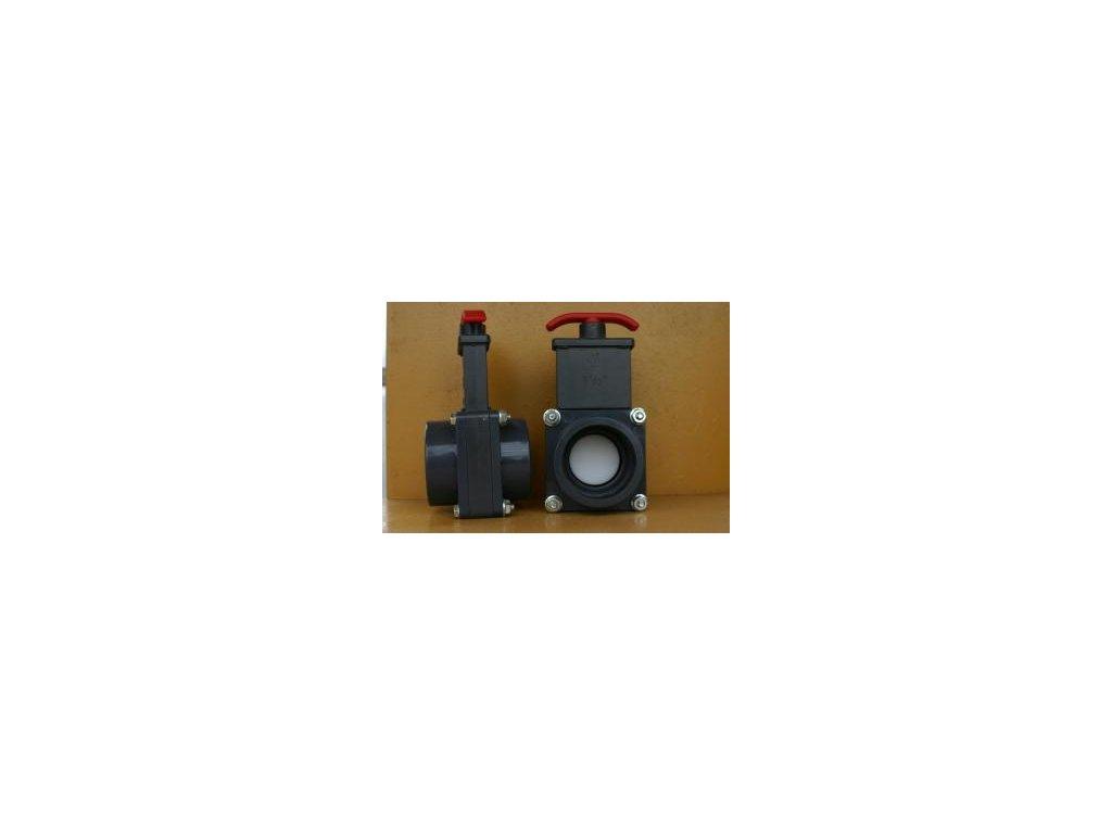 Šoupě PVC - tažný uzávěr 50 mm  Praher