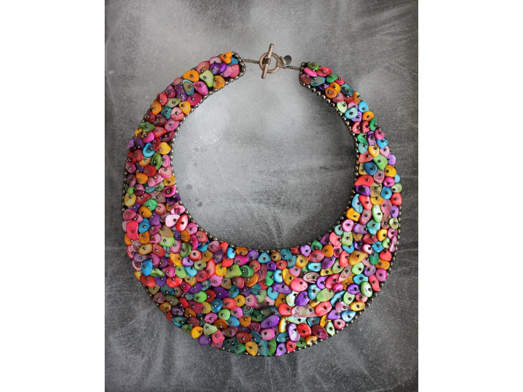 Náhrdelník z barevné perleti