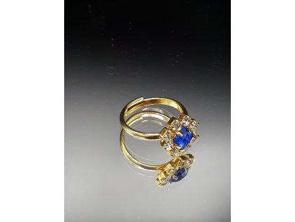 Prsten s modrým kamenem
