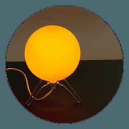 Lampička na stolek