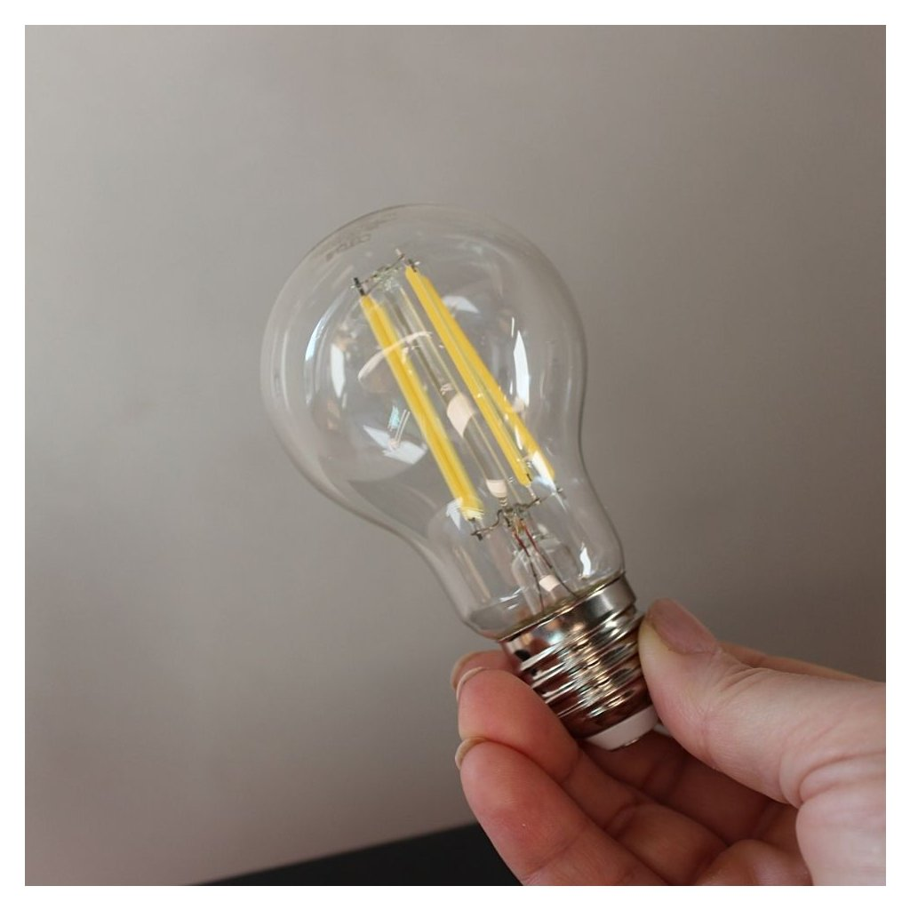 1.E27 žárovka se závitem LED