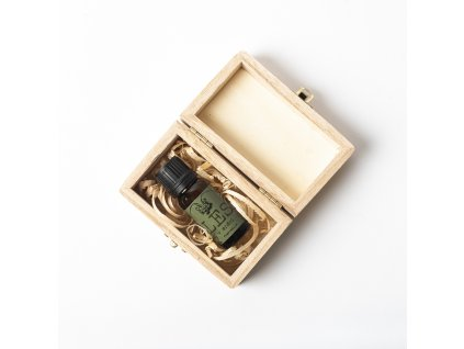 essential oil in box sq