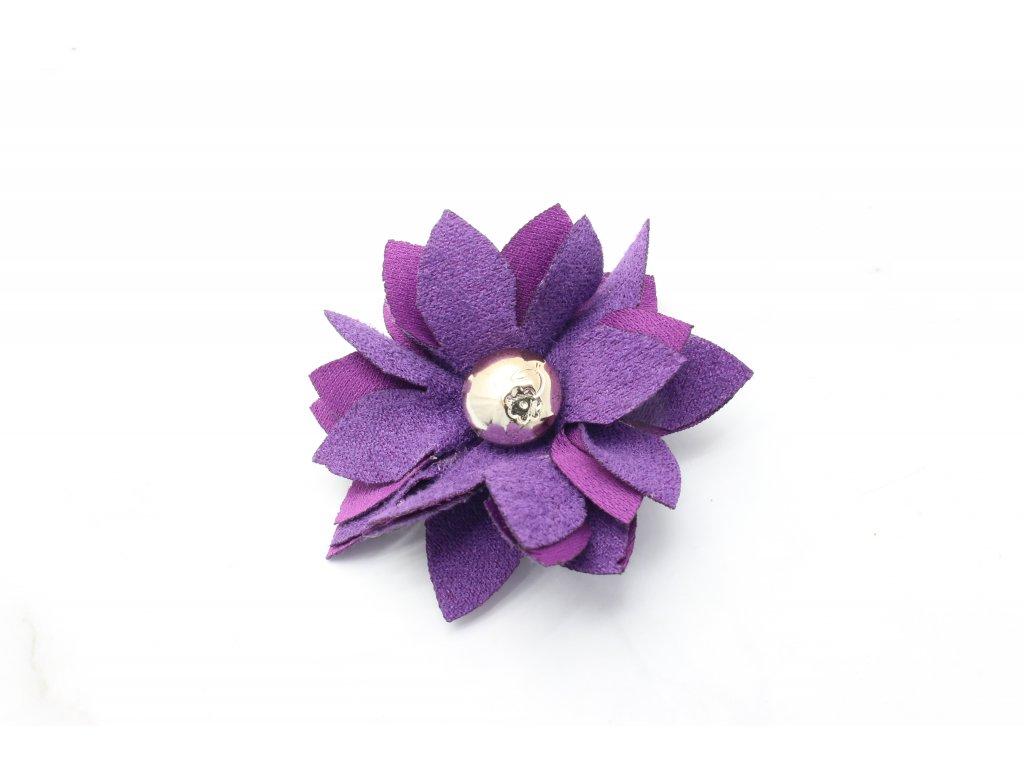 Fialový kvet do vlasov
