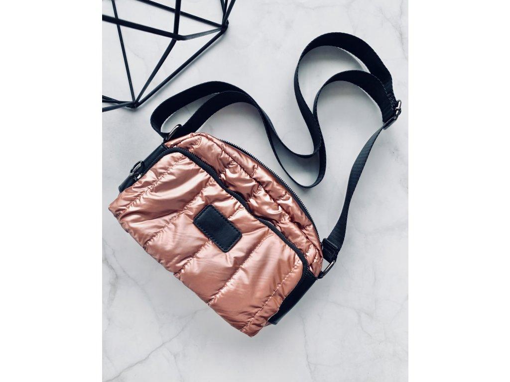 Staroružová crossbody kabelka s koženými detailmi