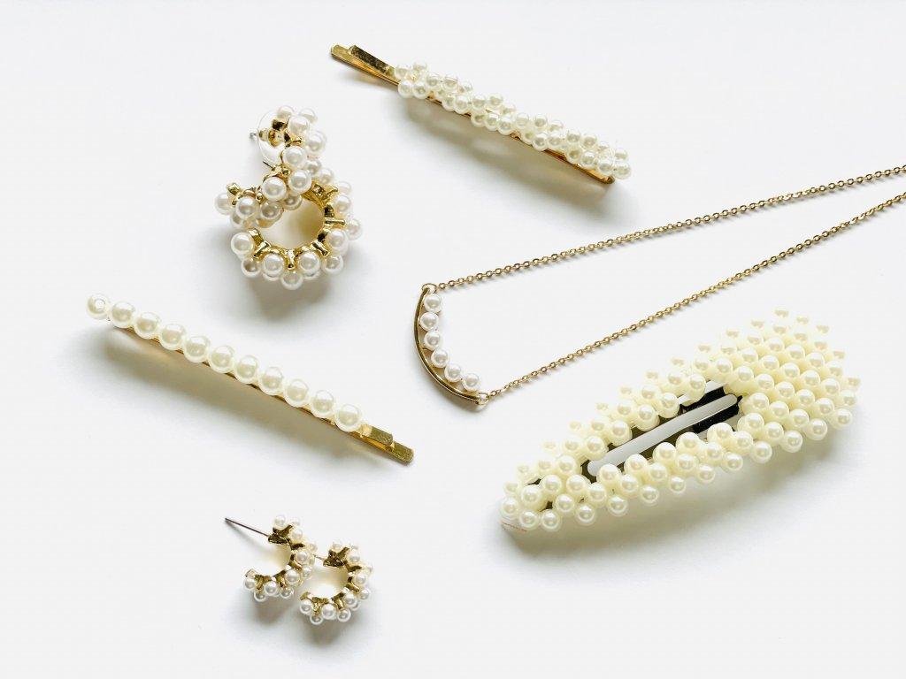 Trendy zlatá retiazka s perlovou ozdobou