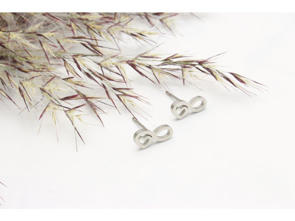 Náušnice z chirurgickej ocele Love Silver