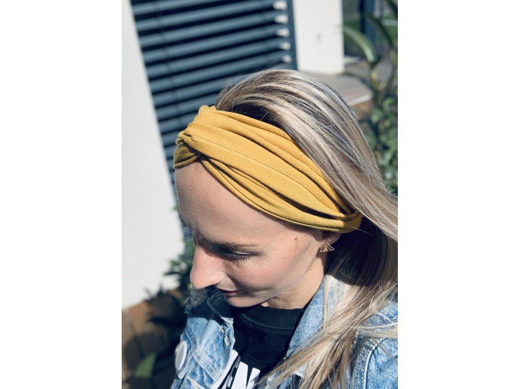Štýlová látková čelenka v okrovej farbe