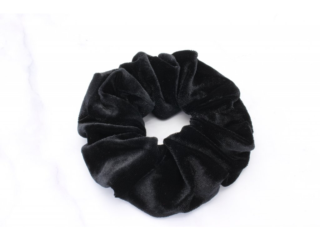 Scrunchie semišová v čiernej farbe