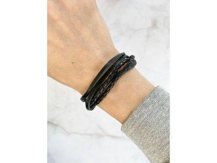 Čierny koženkový náramok
