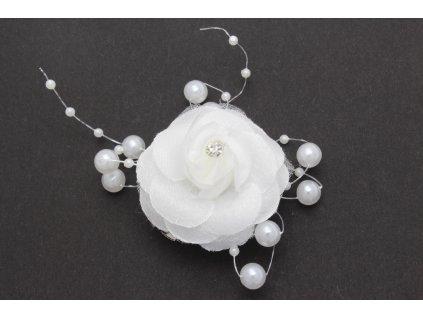 Biela ruža s perlami